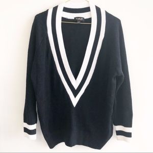 Sweaters - Black and white deep v-neck sweater